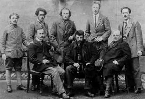 Rząd Bawarskiej Republiki Rad (w pierwszym rządzie na środku siedzi E. Mühsam, w drugim rzędzie drugi po lewej stoi G. Landauer)